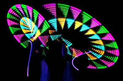 glow-triangles_Light_digital_Performers