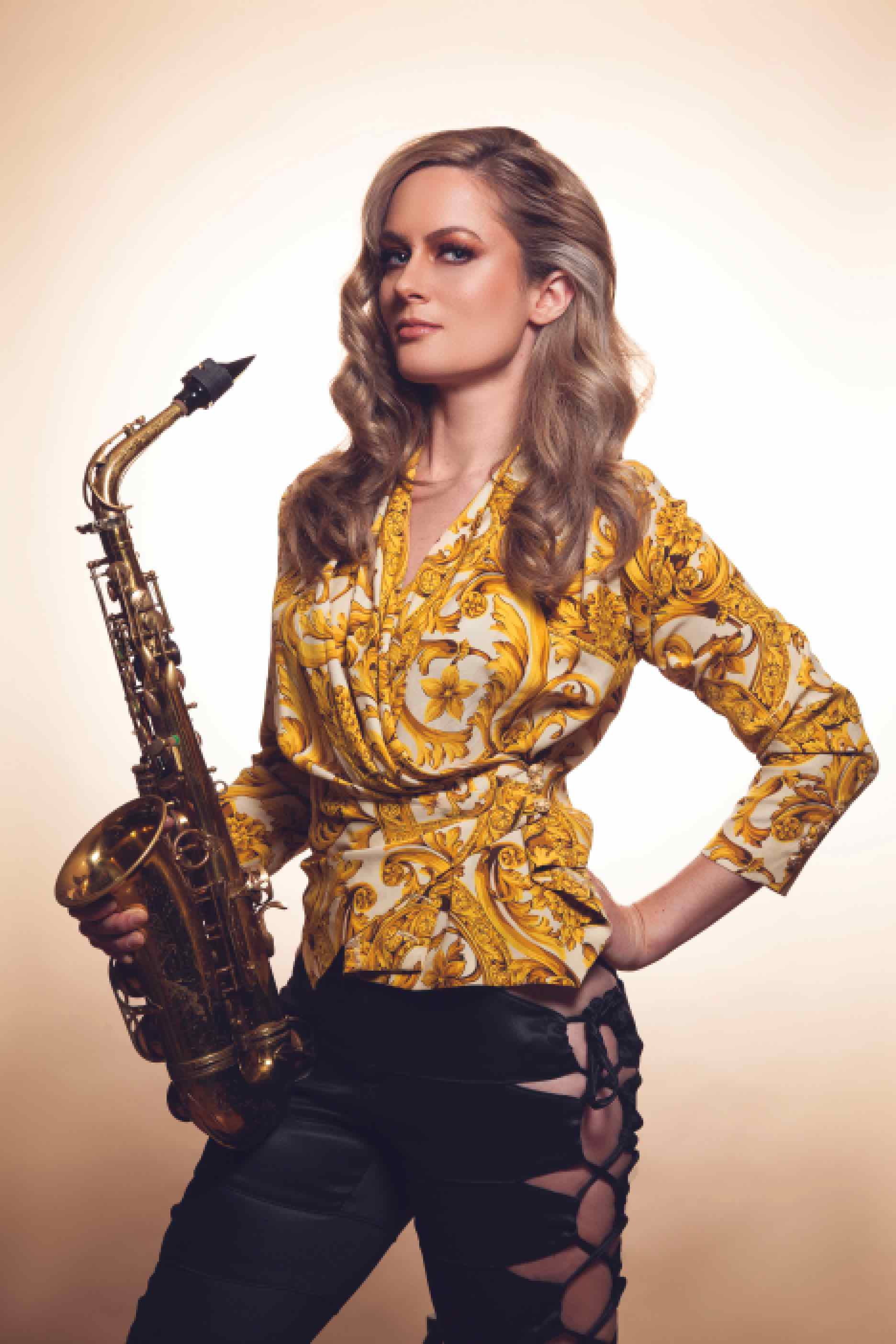 Photoshoot Versace Shirt n Sax Small File Size