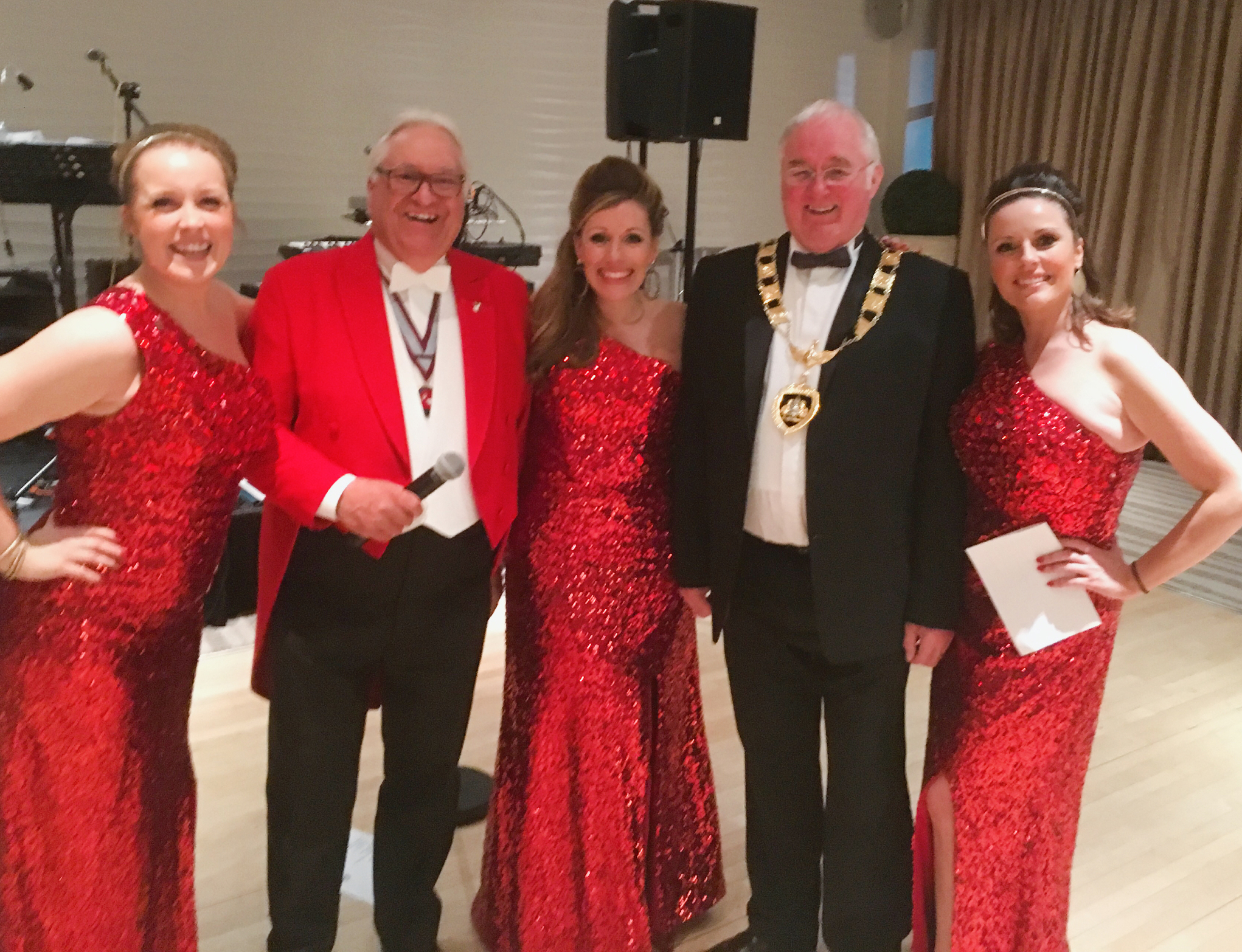 UK BAND-Estrellas posing with Mayor