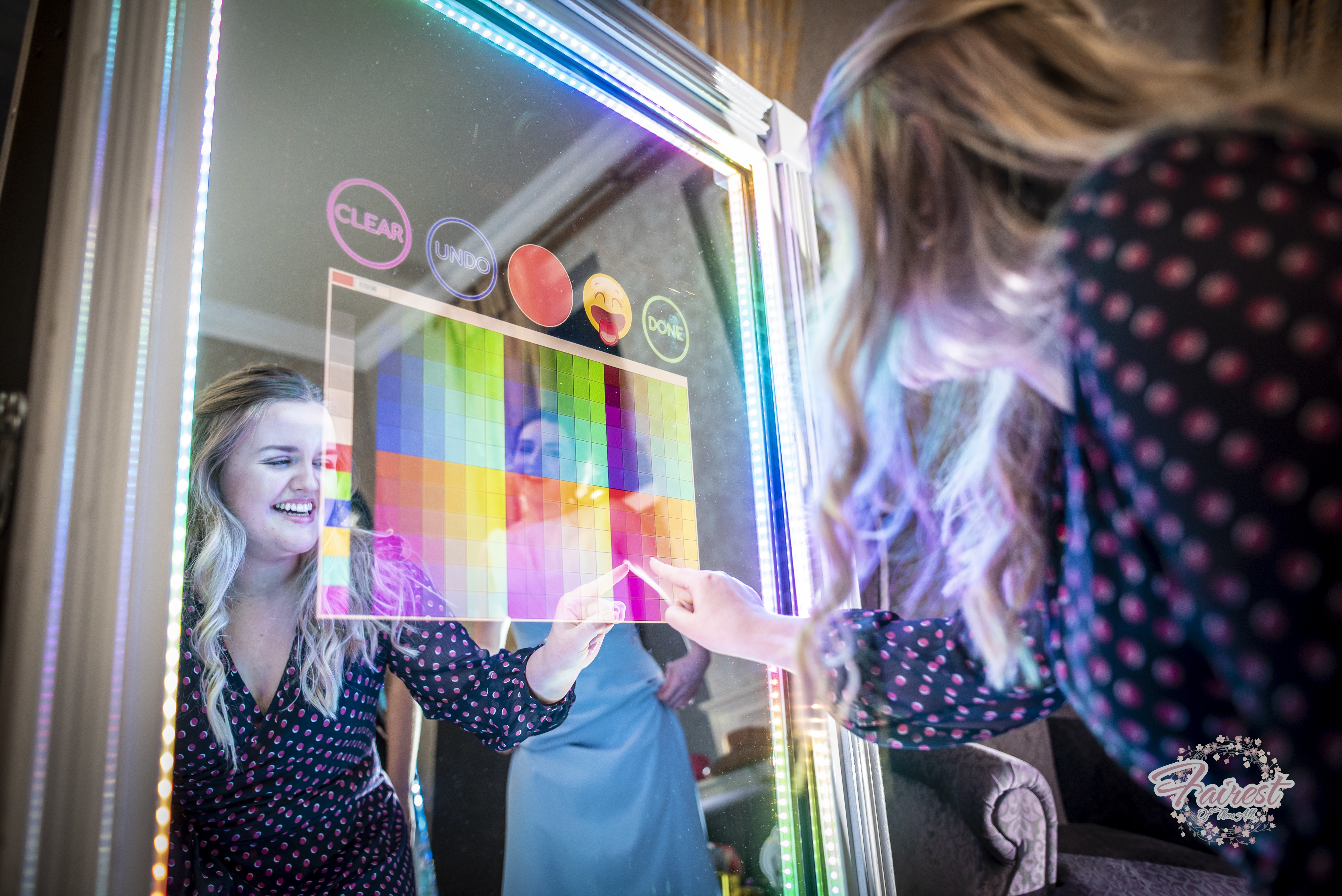 Photobooth magic mirror for events parties and weddings supplied by ELLE entertainment