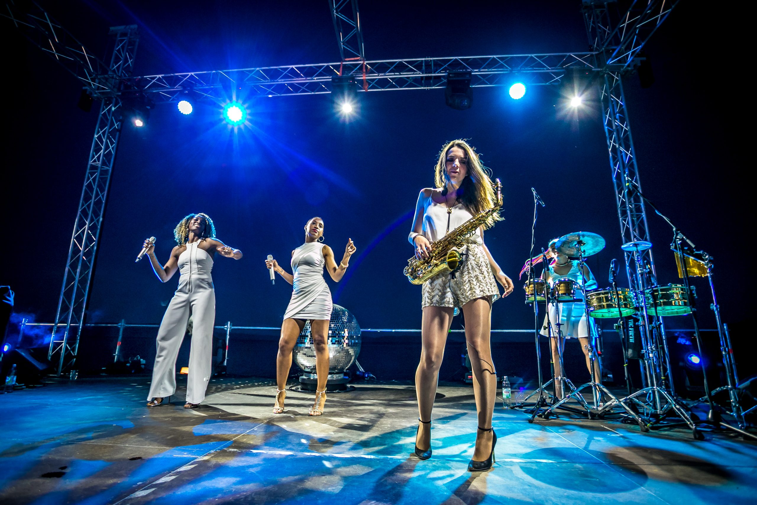 live female party band